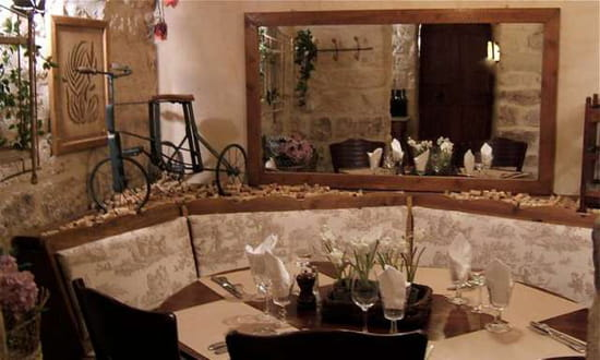 Un Air de Famille  - Table de 8 personnes -