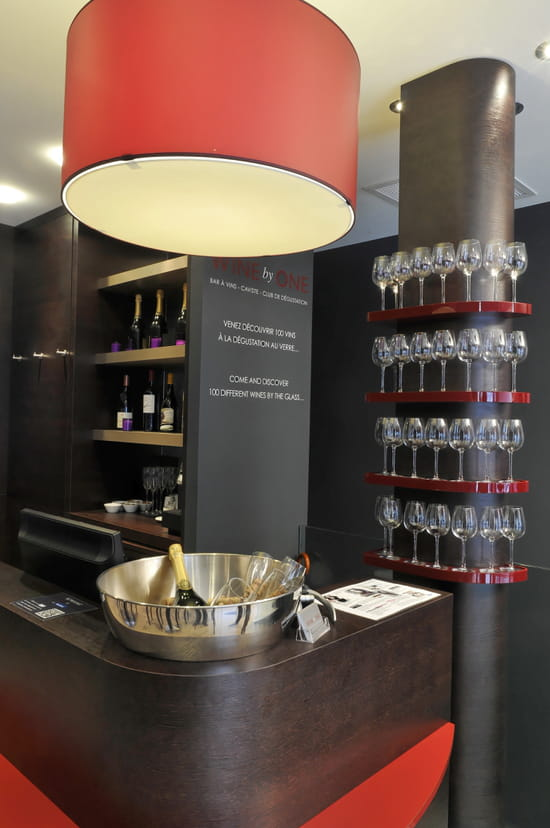 Wine by One Montaigne/Champs-Elysées  - WINE by ONE Montaigne/Champs-Elysées -